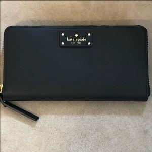 NWT kate spade ♠️ neda zip around wallet black